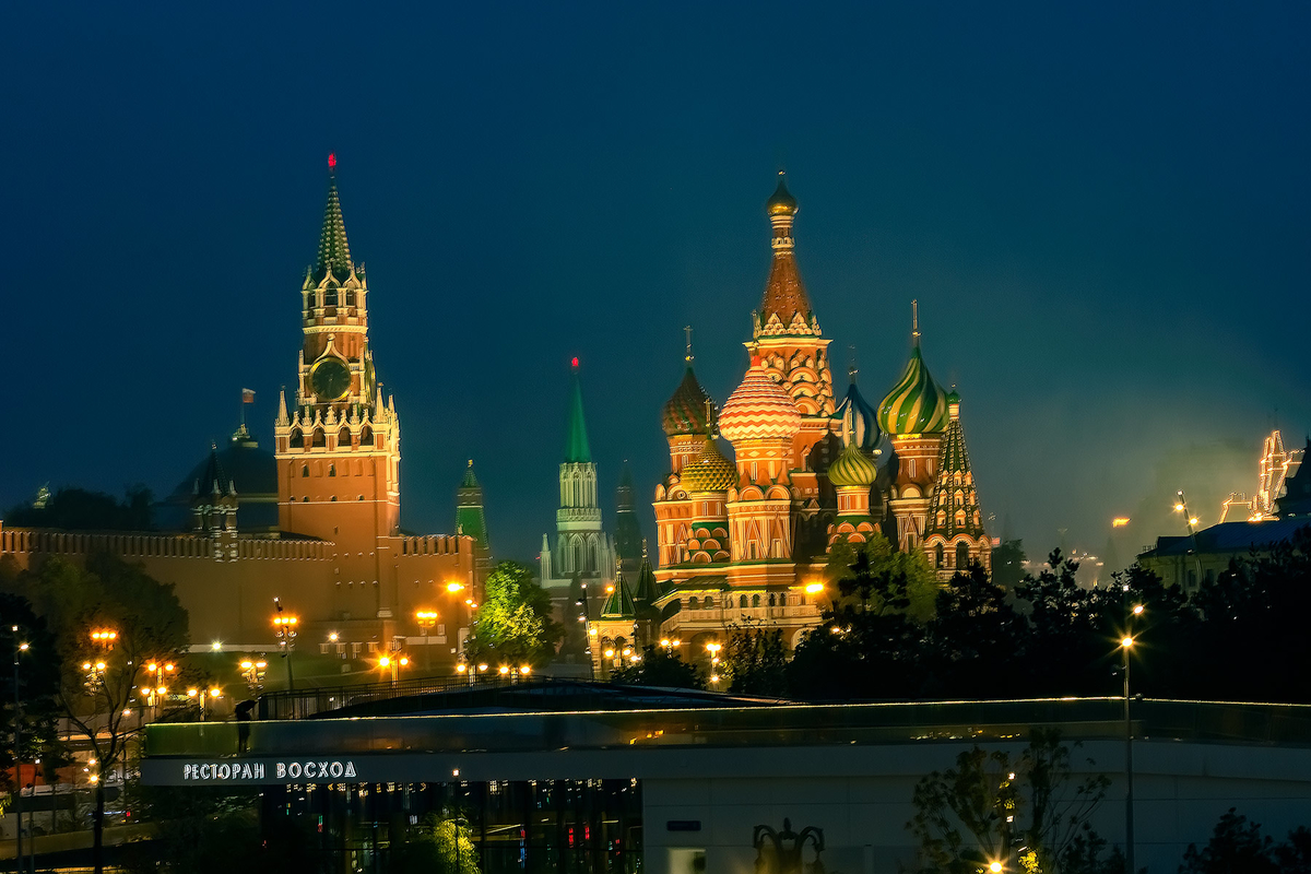 俄罗斯城堡夜景亮化,国外亮化,投光灯厂家,大功率投光灯